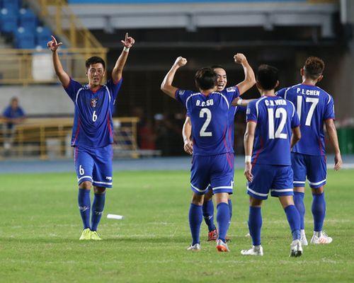バーレーンに逆転勝ちし笑顔を見せるサッカー台湾代表