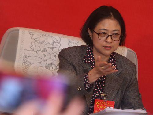 中国共産党大会に「台湾代表」として出席する盧麗安氏
