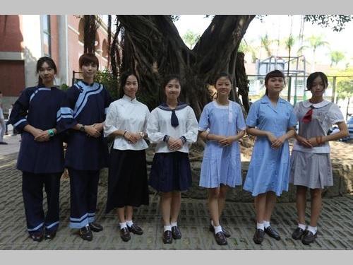 台南の女子校が創立130周年  歴代制服のファッションショーで祝う/台湾