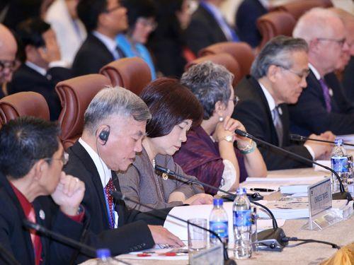 APEC閣僚会議に臨む沈栄津経済部長(手前左から2人目)