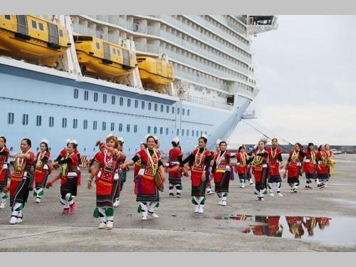 過去最大のクルーズ船が寄港 先住民の踊りで約4千人を歓迎/台湾・花蓮