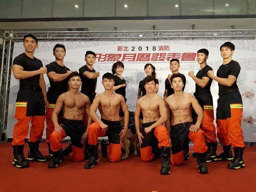 お待ちかね!イケメンと美女の消防隊員カレンダー、今年も発行/台湾