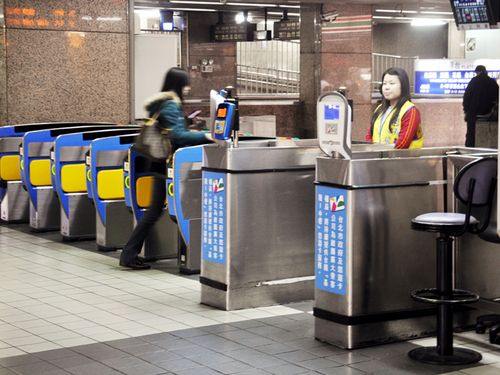 台湾鉄道、自動改札口での使用済み切符の回収を停止 あすから試験的実施