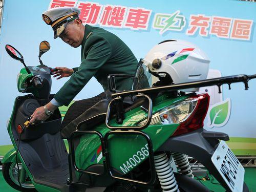 中華郵政、配達バイク約9000台を2023年までに全面電動化へ/台湾