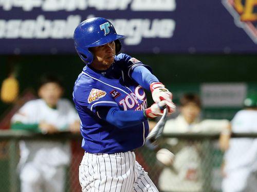 台湾社会人野球のトプコファルコンズで主力打者として活躍するジャン