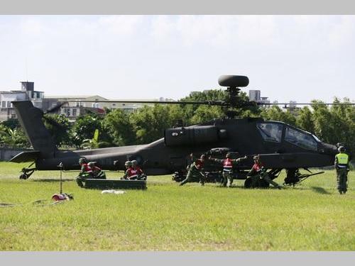 陸軍所属の攻撃ヘリ「アパッチー」=軍聞社提供