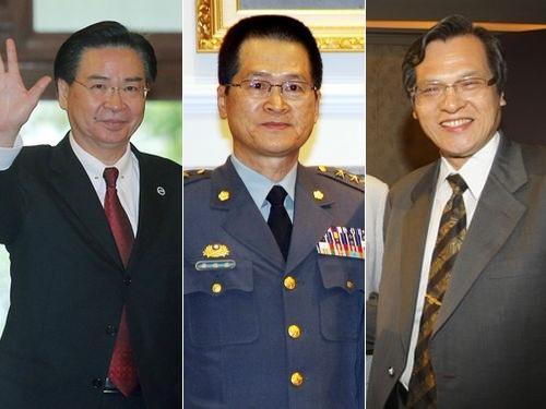 左から呉ショウ燮氏、厳徳発氏、陳明通氏