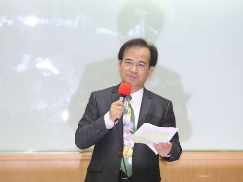 民進党離党と台北市長選出馬を表明する蘇煥智氏
