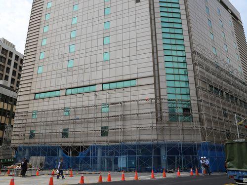 地震で損壊した花蓮・旧遠東百貨店