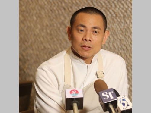 台湾人として「アジアのベストレストラン50」の特別功労賞を受賞したアンドレ・チャン(江振誠)氏