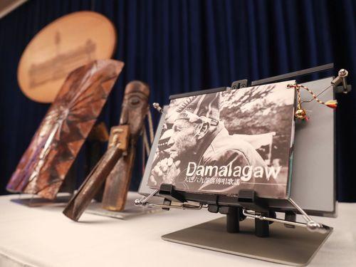 蔡英文総統のスワジランド外遊時の記念品として採用された先住民グッズ