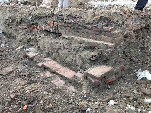 永福小からみつかった清朝時代の建物跡=台南市政府