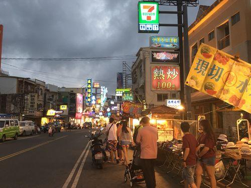 墾丁大街、「台湾で最低な夜市」首位に  自治会が反発「不公平」