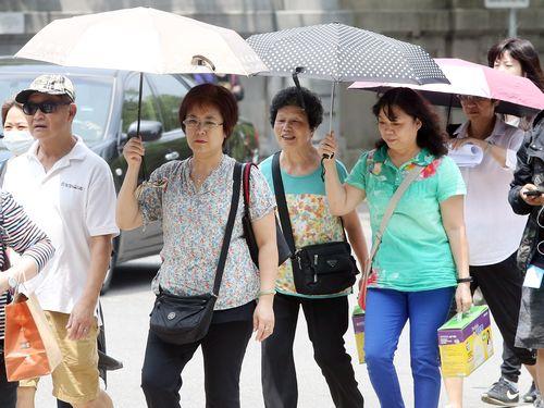 台北市は14日、今年の最高気温となる35.2度を観測した