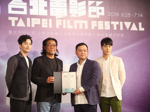 「台北映画祭」の主席を務める リー・ピンビン(李屏賓)(左から2人目)