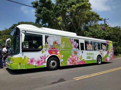 台北市立動物園-松山駅間を走る路線に導入される予定の電動バス