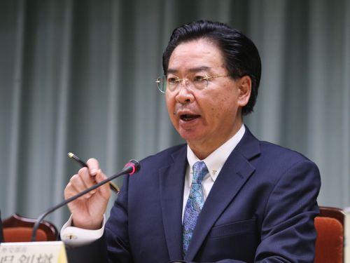 呉外相が辞意表明 就任3カ月弱で...
