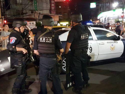 台湾の警察機動隊員=資料写真