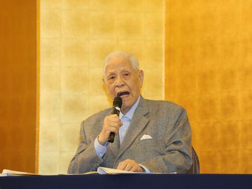 糸満市内のホテルで講演する李登輝元総統