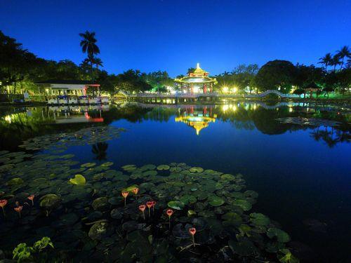 夜の台南公園=台南市観光旅遊局提供