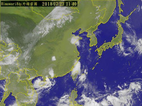 気象衛星から見た台湾周辺の雲の写真=中央気象局提供