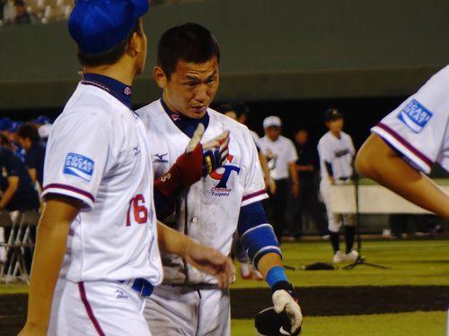 韓国に逆転負けを喫し、悔しさをあらわにした台湾の選手ら