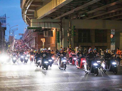 最大規模の電動スクーターによる行進、ギネス世界記録挑戦に成功=「Gogoro」提供