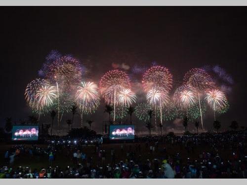 花蓮の夜空を彩る国慶節の花火