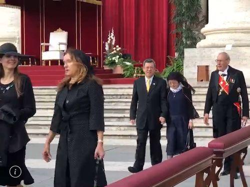 元法王パウロ6世らの列聖式に出席する陳建仁副総統(右から3人目)=総統府提供