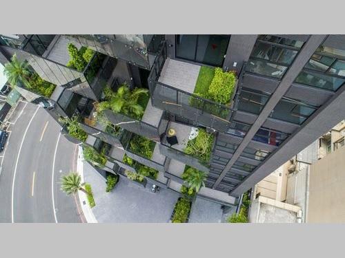 高雄市のエコ住宅=同市政府提供