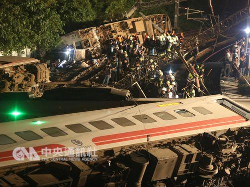宜蘭で10月21日に発生した特急プユマ号の脱線事故