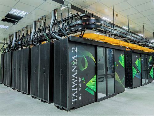 世界のスパコンの計算速度で過去最高となる20位に入った「タイワニア2」(台湾杉二号)=科技部提供