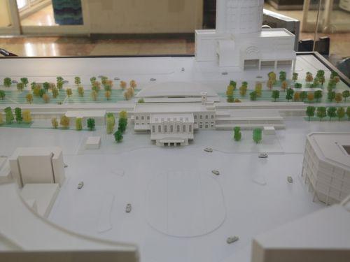 新しい台南駅の建築模型