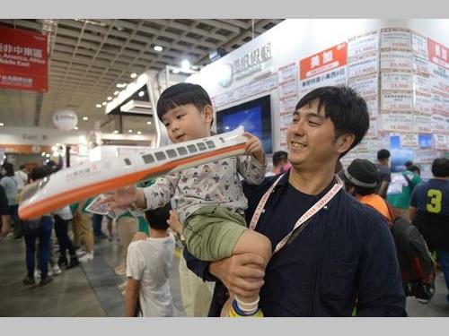 多くの来場者でにぎわう台北国際トラベルフェアの会場=台湾観光協会提供