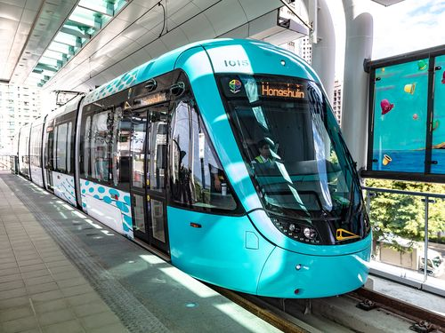 淡海ライトレール緑山線の電車=新北市政府提供