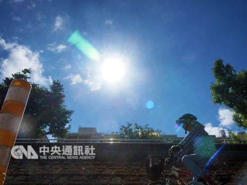 2日の台湾は東部で雨がぱらつく以外は広範囲で晴れる=資料写真