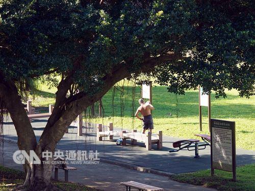 3日の台湾、12月になってもる体にこたえるような暑さが続く