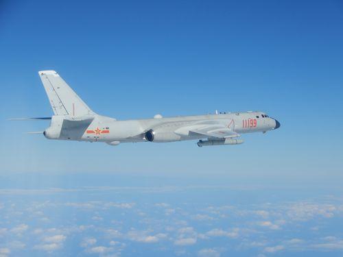 中国軍のH6爆撃機=国防部提供