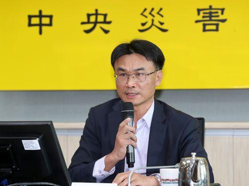 金門の離島の浜辺で見つかった豚の死骸の検査結果について説明する農業委員会の陳吉仲代理主任委員