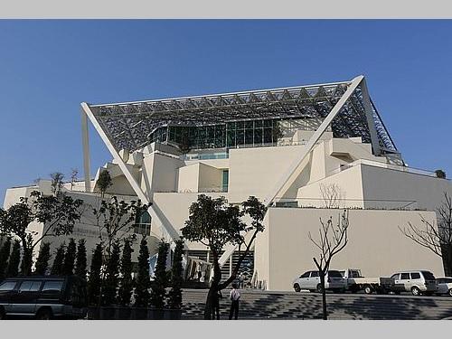 坂茂氏が設計を手掛けた台南市美術館2号館