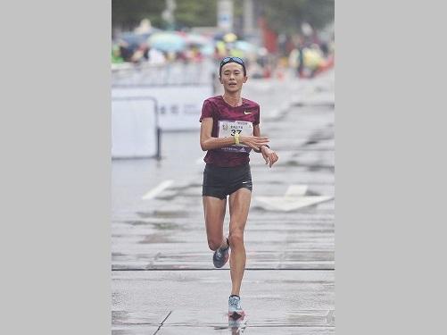 昨年12月の台北マラソンに出場した謝千鶴さん