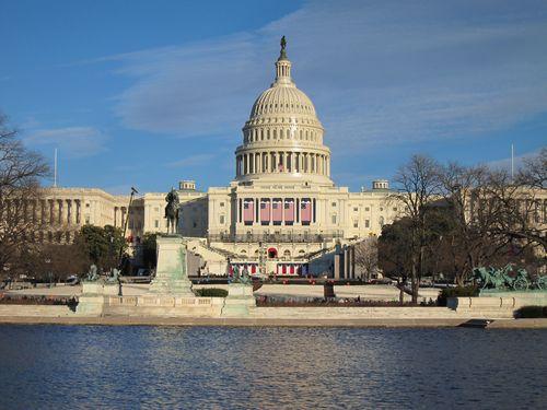 米ワシントンの連邦議会議事堂