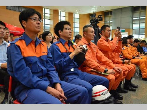 新北市の消防訓練に参加する日本や韓国の消防士ら