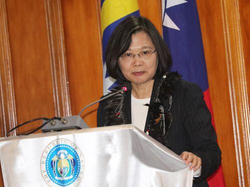 ナウル議会で英語スピーチを行う蔡英文総統