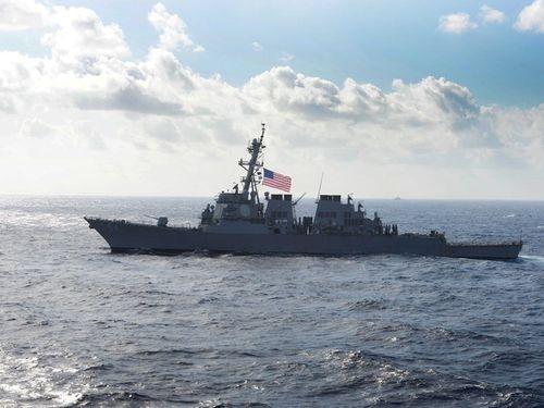 台湾海峡を通過した米海軍の駆逐艦「カーティス・ウィルバー」=同艦艇のフェイスブックページより