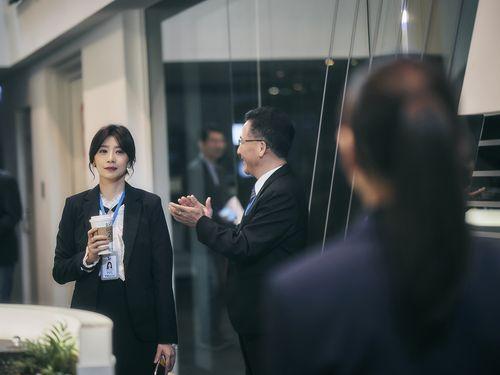 台湾ドラマ「我們与悪的距離」の一コマ=公共テレビ提供