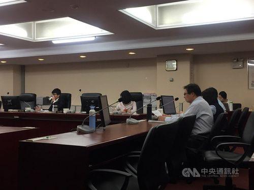 台北市議会民政委員会の様子