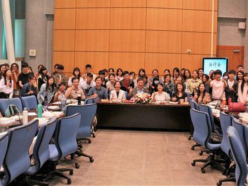 研修のため、今夏日本を訪れる高雄科技大の学生ら=同校提供