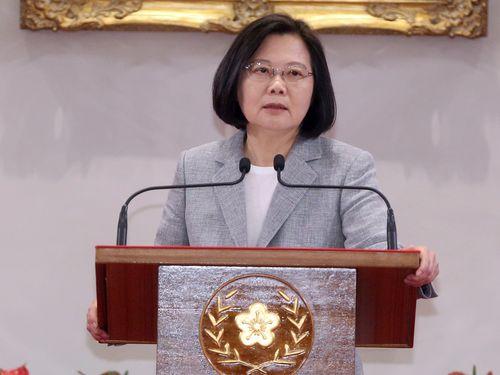 総統府で就任3周年の成果について談話を発表する蔡英文総統