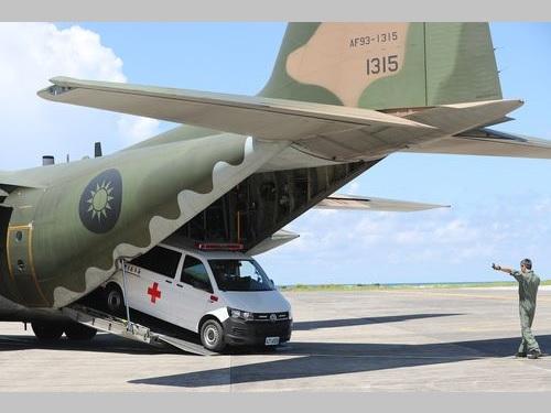 訓練に参加したC130輸送機